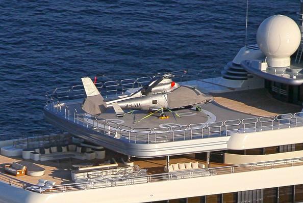 Abramovich-mega-yacht-Eclipse-r3qry4cLZkcl
